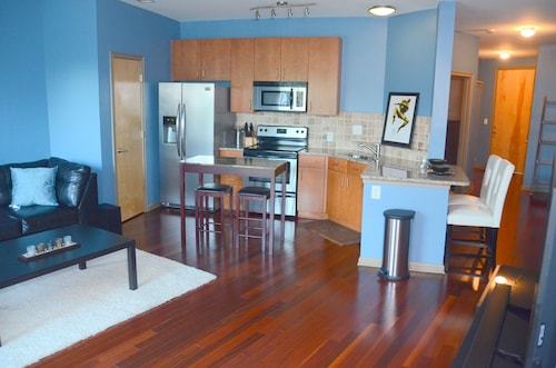Downtown Atlanta Condo...near Everything!! (USA 24088844 5.0) photo