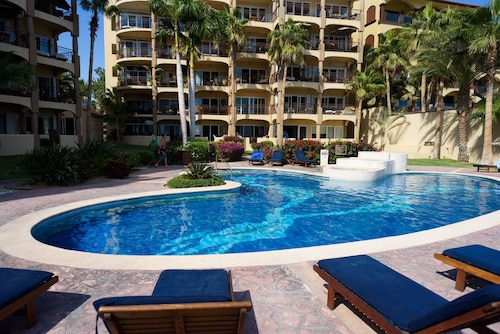 Las Olas Olas A104 3 Bedrooms 2 Bathrooms Condo