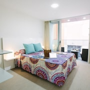 Valentina Beach Apartments & Suites