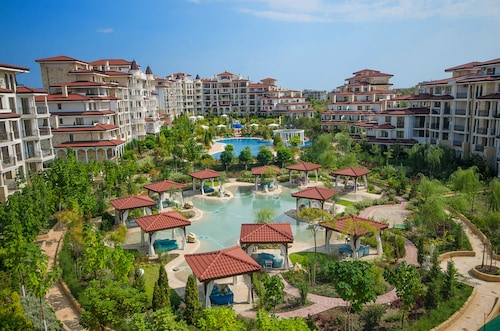 Apartments in Complex Poseidon