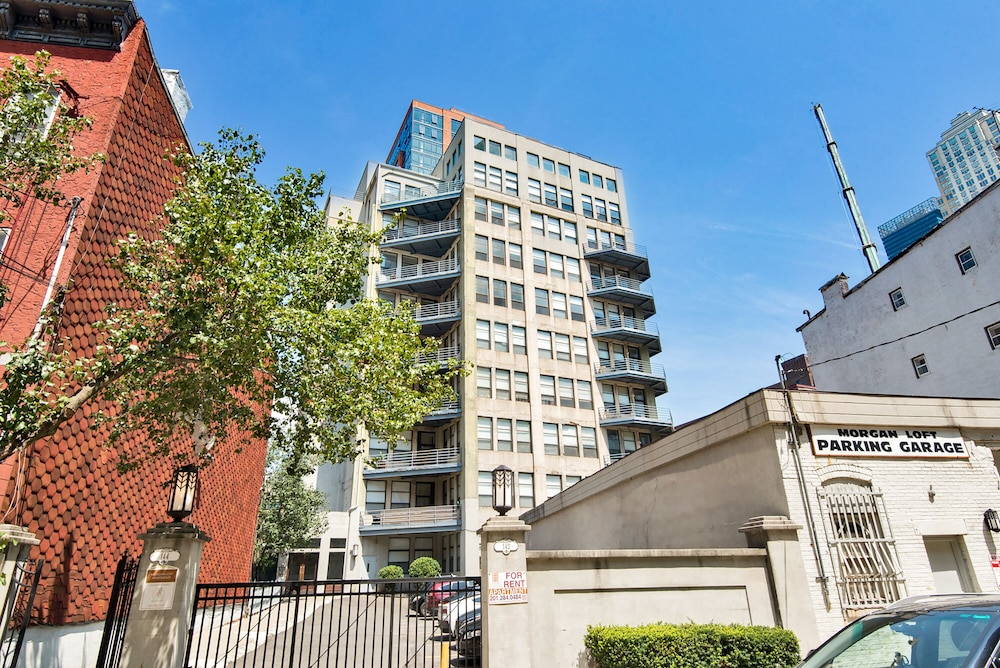 Gorgeous 2 Bdrm 2 Bath Apartment Steps From Path Great Views By