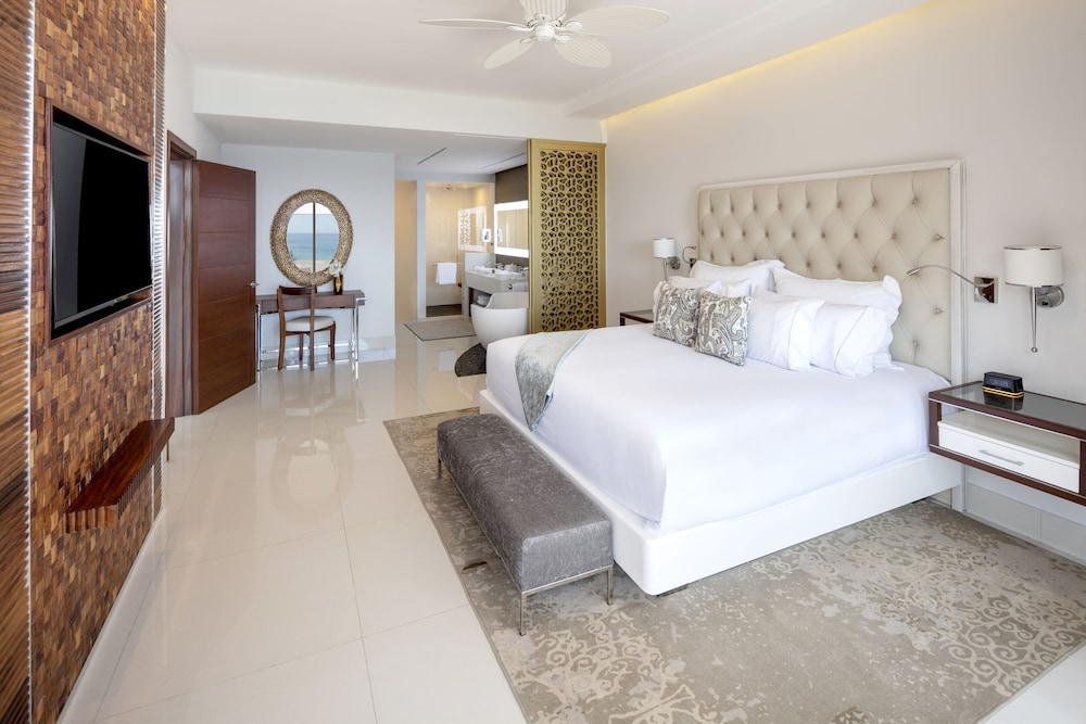 Room, Garza Blanca Resort & Spa Los Cabos