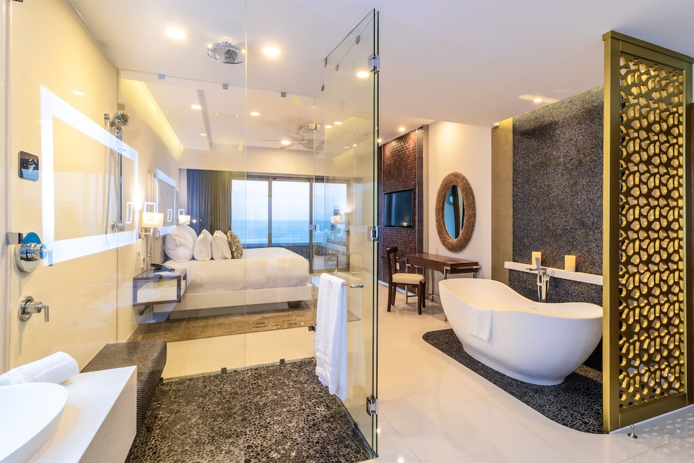 Bathroom, Garza Blanca Resort & Spa Los Cabos
