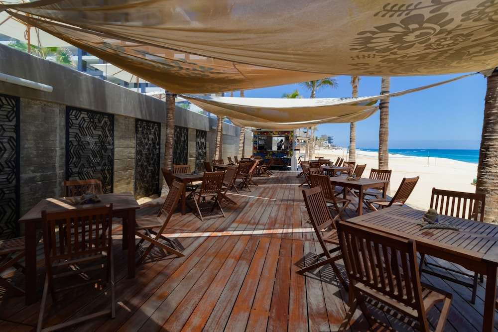 Beach Bar, Garza Blanca Resort & Spa Los Cabos