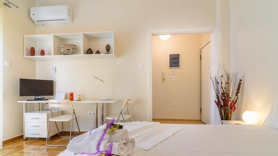 Charmy Petit 1 Bedroom Flat in Athens