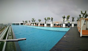 Sunset Sea View Vacation Condos & Infinity Pool