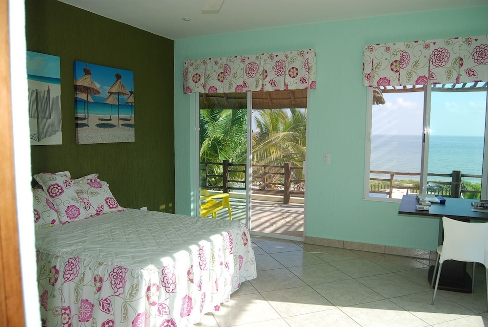 Room, Luxury Beachfront 3 Bedroom House With Casita