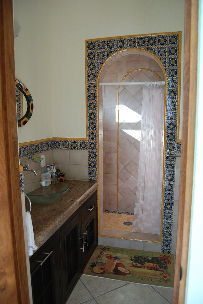 Bathroom, Luxury Beachfront 3 Bedroom House With Casita