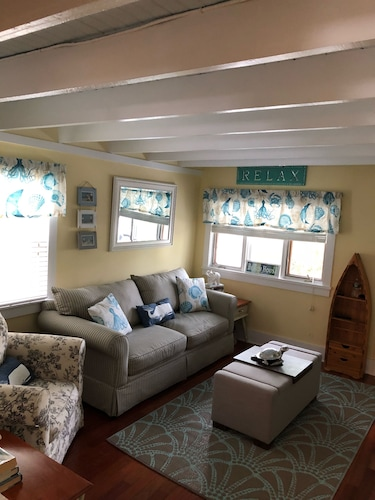 Beautiful Beach Cottage; Walk to Everything in Lovely Ocean Grove and Asbury NJ!