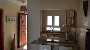1 bedroom, down duvet, blackout curtains, free cots/infant beds