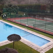 House With 3 Bedrooms in Oleiros, La Coruña, With Wonderful City View, Pool Access, Enclosed Garden - 1 km From the Beach