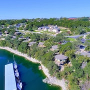 Treehouse Bungalow w/ Lake Travis Views, Pool & hot Tub, Next to Marina