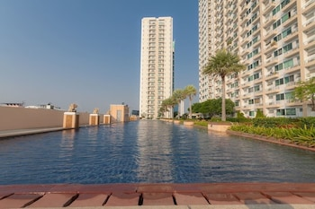 Nicely Apartment Close BKK Airport