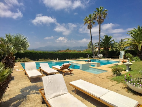 Villa Provence Pool & View
