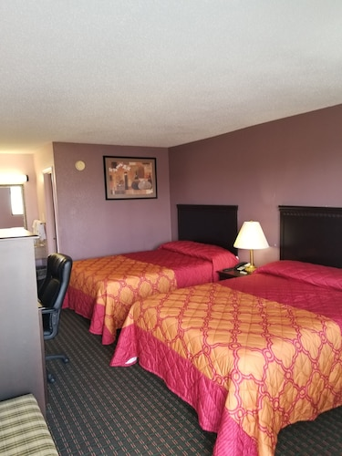 Great Place to stay Turnpike Motel near Richmond