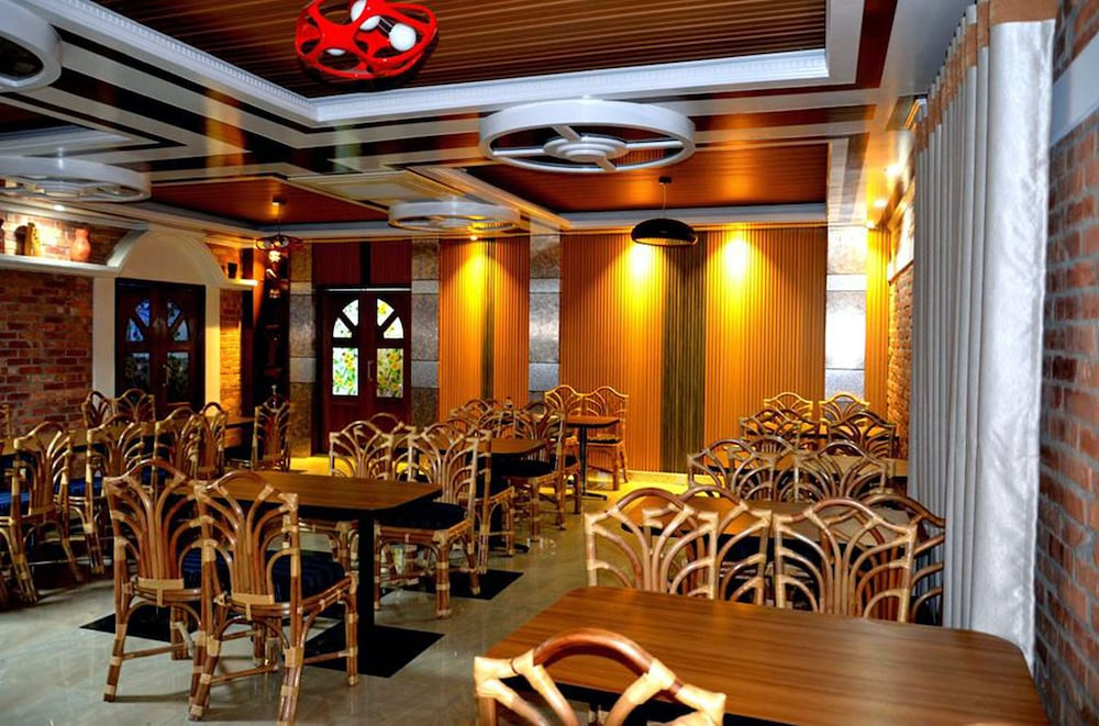 Restaurant, Shaira Garden Resorts