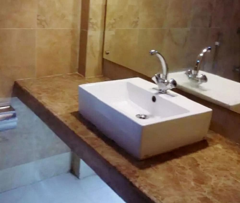 Bathroom, Shaira Garden Resorts