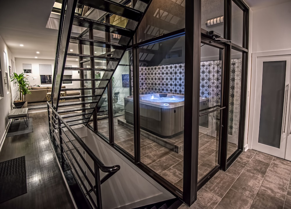 Indoor HOT TUB IN Massive Modern Luxury Home OFF Canton Square ...