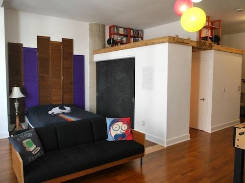 Spacious Open Condo With 2 Beds