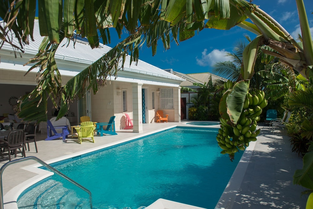 Luxury 3 Bedroom, 3 Bathroom Villa With Pool and Jacuzzi, Belair ...