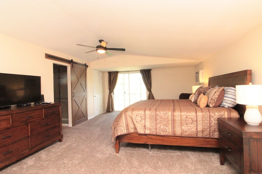 Room, Totally Remodeled- All New Furnishings- Backs to Golf Course- Great Base Camp