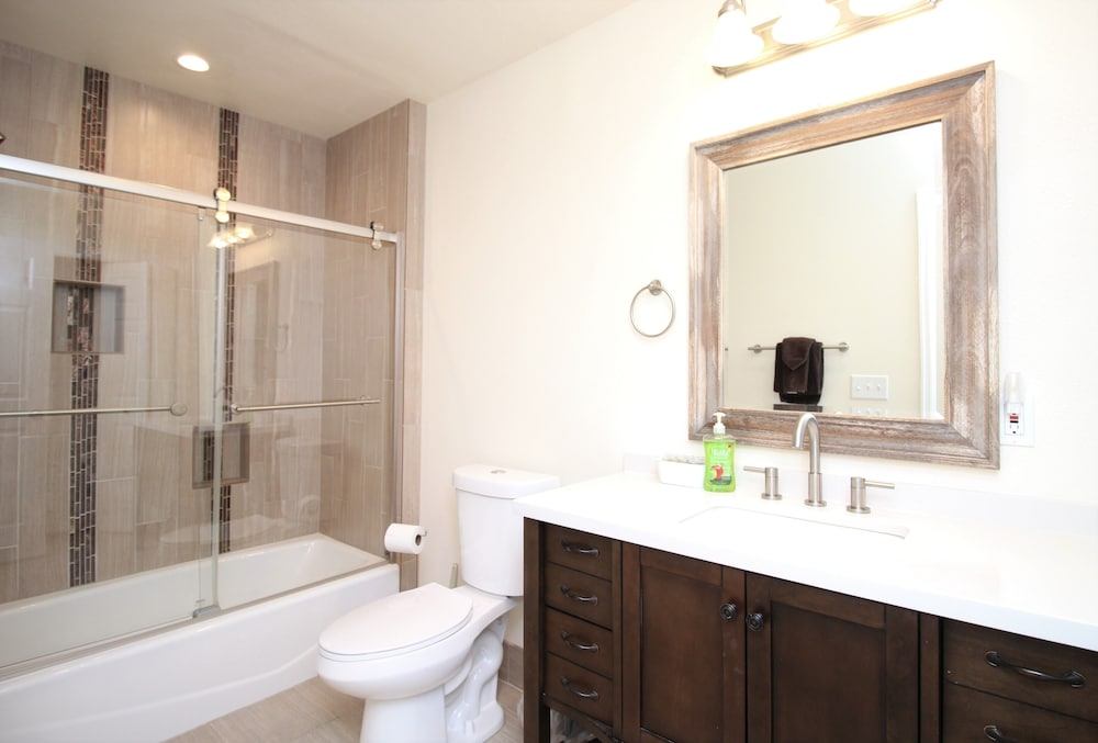 Bathroom, Totally Remodeled- All New Furnishings- Backs to Golf Course- Great Base Camp