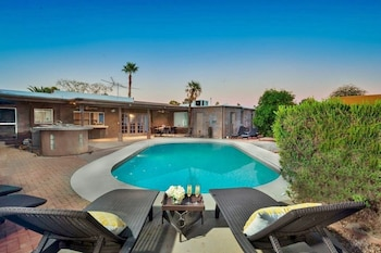 Delcoa Retreat 6br Scottsdale Pool House