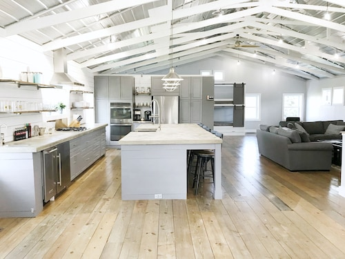 Brand New Gorgeous Loft in Culver- Close to Culver Academies & Lake Maxinkuckee