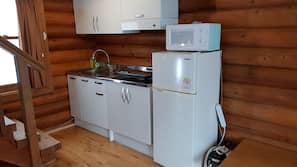 雪櫃、微波爐、廚房用具/餐具/器皿