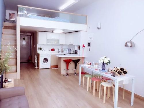 Lee Apartment 1