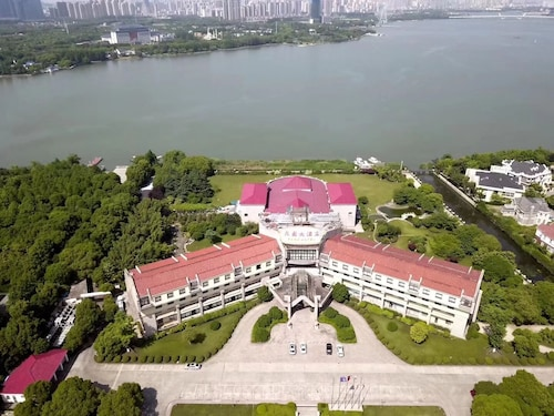 Wuxi Lakeview Park Resort