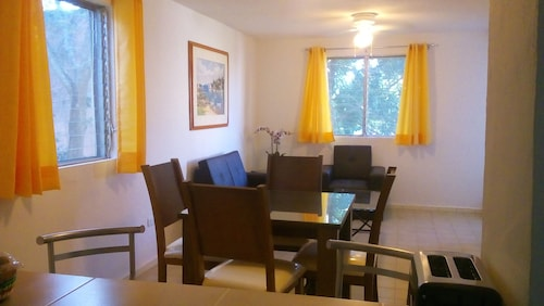 Comfortable, Fully Equipped, 2BD in a Quiet Neighborhood in Downtown Cancun!