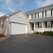 Spacious and Comfortable 4 Bedroom, 2 1/2 Bath two Miles From Down Town Geneva