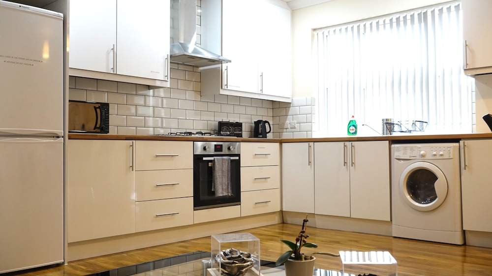 Shared Kitchen Facilities, Heathrow Ensuites Rooms