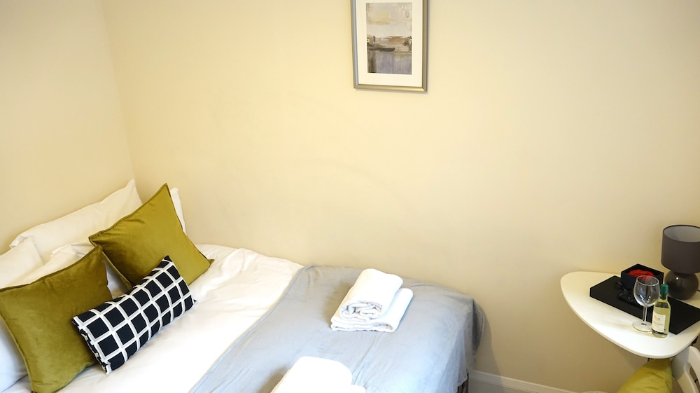 Featured Image, Heathrow Ensuites Rooms