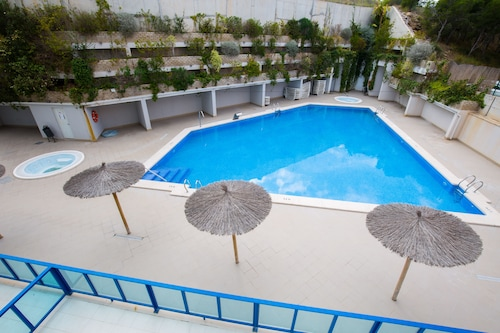 Alicante Hills 2 Bed Summer let Apartment
