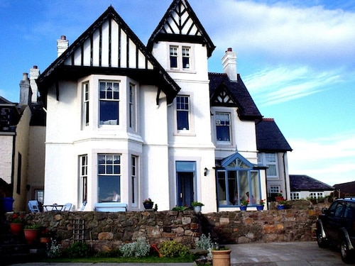 Elie Near St.andrews. Luxury Self Catering Beach House With Wonderful sea Views