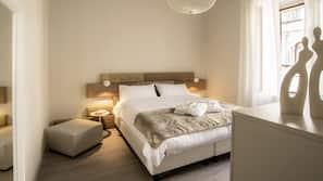 1 slaapkamer, een kluis op de kamer, een strijkplank/strijkijzer, wifi