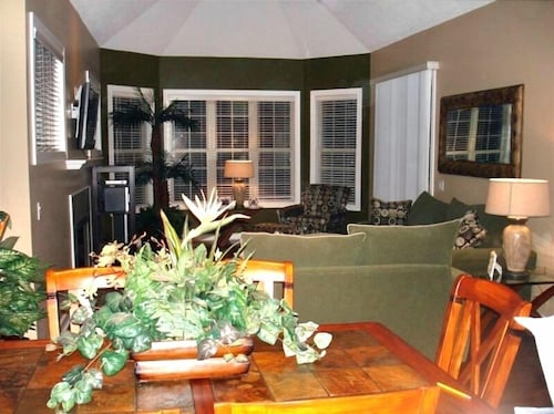 Beautiful 3 Br/3ba Home Carolina Place in Seapines