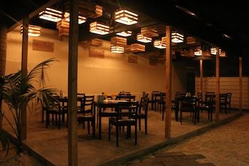 Omadhoo Inn