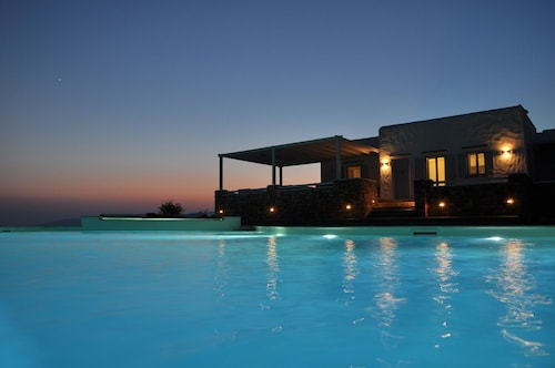 2 Luxury Villas Complex With Private Pool, Gym,spa & Unrivalled View