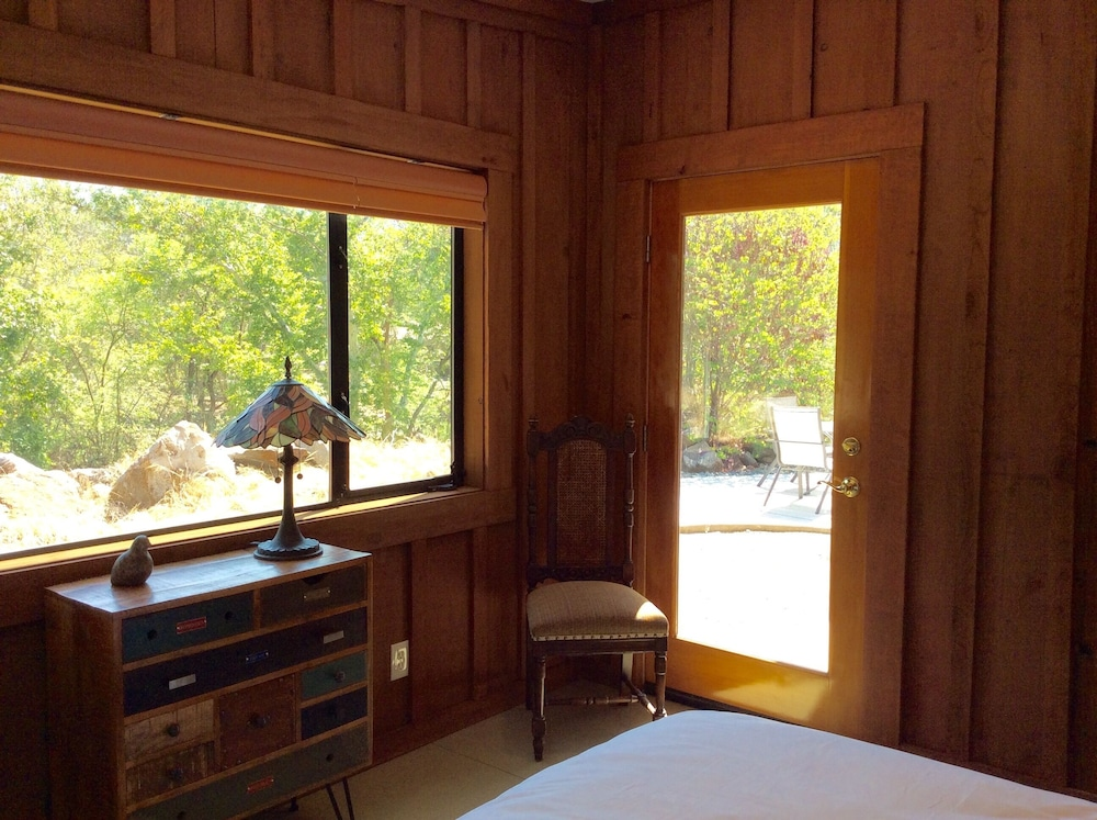 Room, NEWLY OPENED!! Upscale, riverfront cabin, sleeps 6; amazing amenities to dazzle