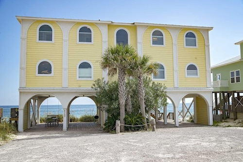 6 BR ~ Gulf Front ~ Sleeps up to 18 ~ Beach Stop 2