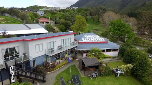 Tombstone Motel, Lodge & Backpackers