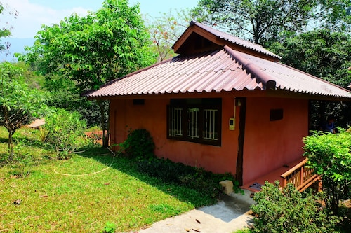 Malee's Nature Lovers Bungalows (Mini Resort)