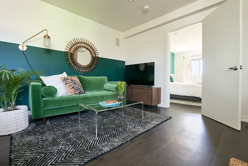 Check Expedia for Availability of Dashing 1BR in Mid City by Sonder