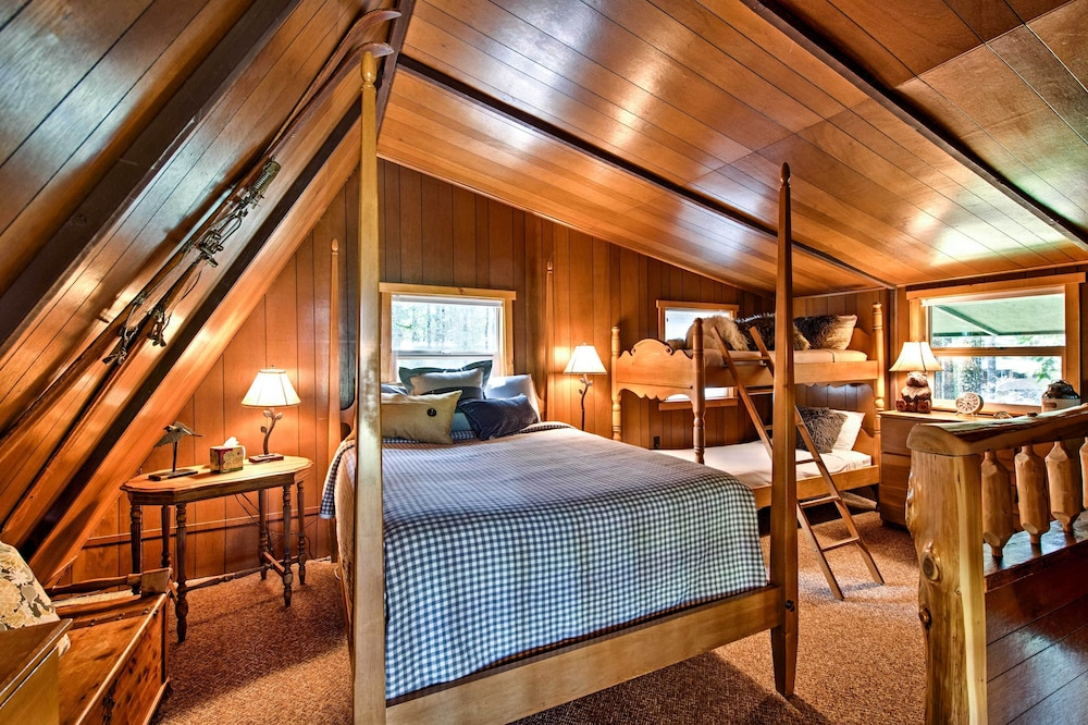 Room, 'alpine Annies' - 30 Min. to White Pass Ski Area!