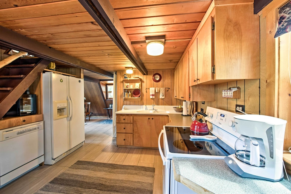 Private Kitchen, 'alpine Annies' - 30 Min. to White Pass Ski Area!