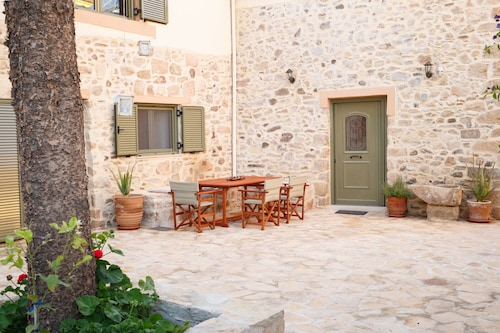 Traditional Stone Villa - Priotissa
