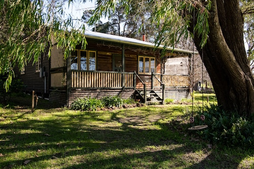 Beautiful cottage, quiet rural setting, just 10 minutes from Margaret River town